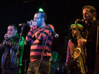 Lavapiés Diverso 2015   Concierto Plaza de Agustín Lara   14/11/2015   SBM Blues Band   8   Foto Paula Díaz/PqHdM