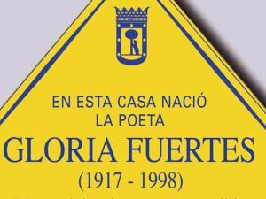 Lavapiés Diverso 2015 | Placa 'En esta casa nació la poeta Gloria Fuertes (1917-1998)'