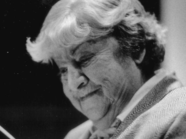 Centenario Gloria Fuertes | 1917-1998 | #GloriaFuertes100 | 'El balcón de Gloria Fuertes' 2