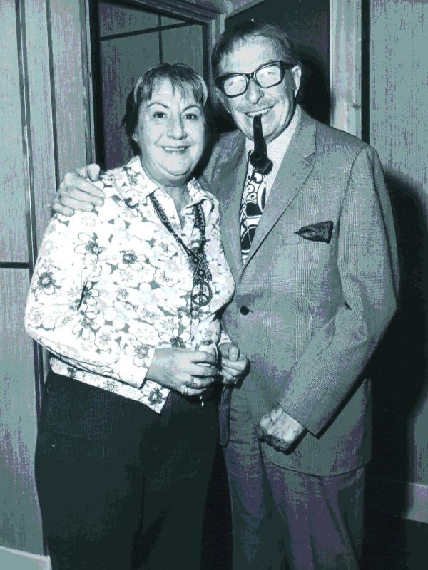 Gloria Fuertes con Xavier Cugat | Años 70 del siglo XX