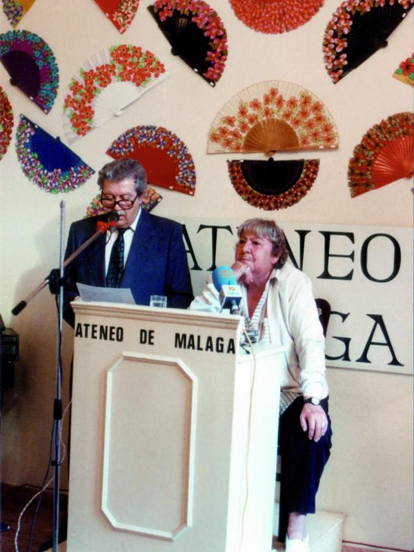 Gloria Fuertes | Poeta y escritora | Madrid, 28 julio 1917 - ibídem 27 noviembre 1998 | Ateneo de Málaga