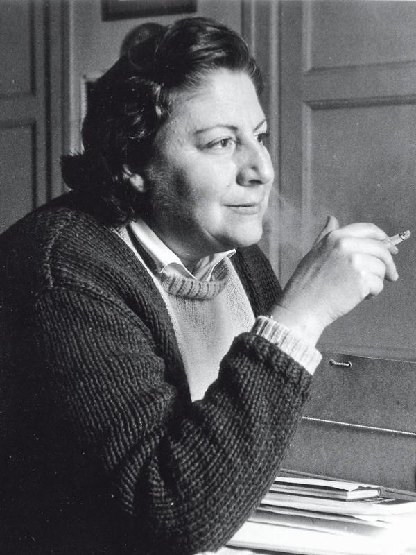 Gloria Fuertes | Madrid, 1917-1998 | Centenario Gloria Fuertes | El balcón de Gloria Fuertes | #gloriafuertes100