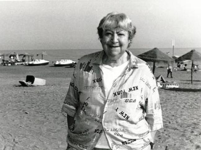 Centenario Gloria Fuertes | 1917-1998 | #gloriafuertes100 | El balcón de Gloria Fuertes | 04/08/2017 | Cuando aquí