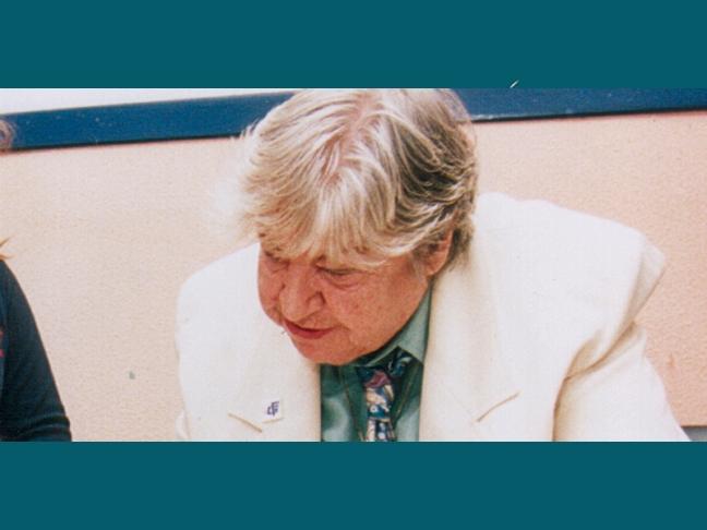 Centenario Gloria Fuertes | 1917-1998 | #gloriafuertes100 | El balcón de Gloria Fuertes | 18/08/2017 | Acto de rebelión
