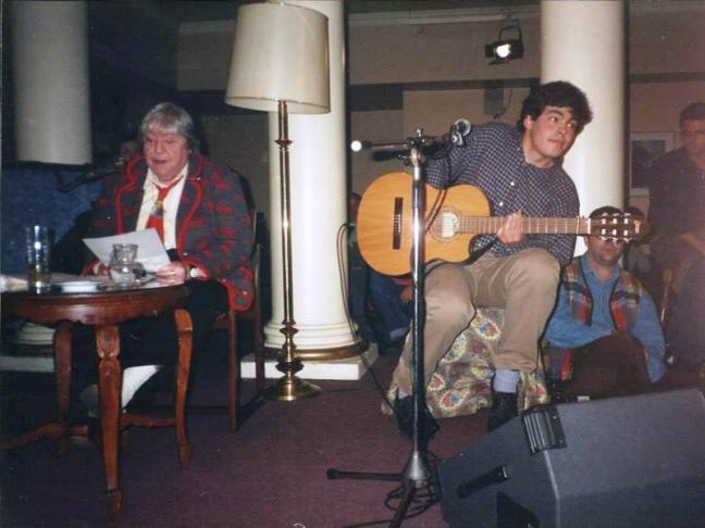 Centenario Gloria Fuertes | 1917-1998 | #gloriafuertes100 | El balcón de Gloria Fuertes | 13/09/2017 | Canción de las locas