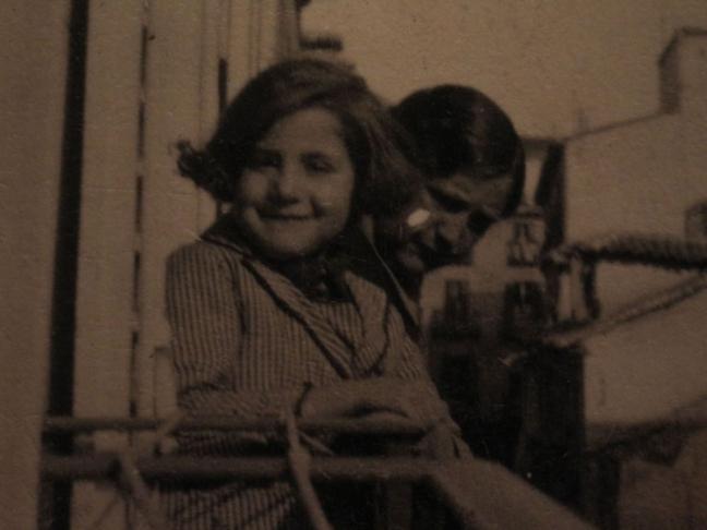 Centenario Gloria Fuertes | 1917-1998 | #gloriafuertes100 | El balcón de Gloria Fuertes | 21/09/2017 | Mi partido es la Paz
