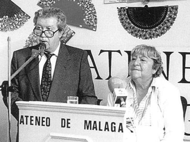 Centenario Gloria Fuertes | 1917-1998 | #gloriafuertes100 | El balcón de Gloria Fuertes | 25/10/2017 | A la juventud