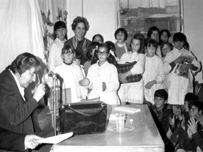 Centenario Gloria Fuertes | 1917-1998 | #gloriafuertes100 | El balcón de Gloria Fuertes | 12/12/2017 | Porque soy una mujer de verso en pecho