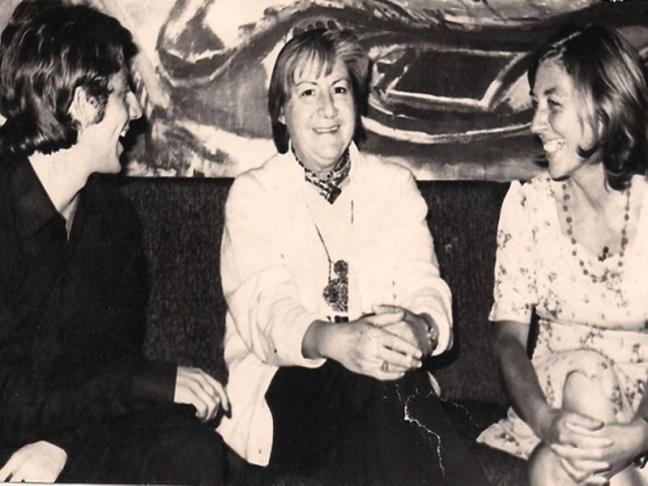 Centenario Gloria Fuertes | 1917-1998 | #gloriafuertes100 | El balcón de Gloria Fuertes | 27/12/2017 | Entre ético y poético